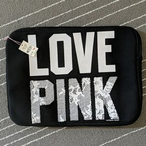 ✨NWT✨ PINK Laptop case Size 15×11